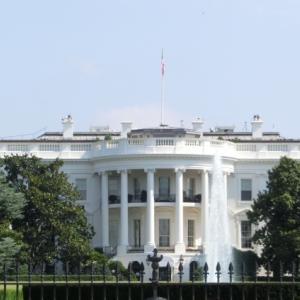 米大統領選、どっちが勝つんだか・・・