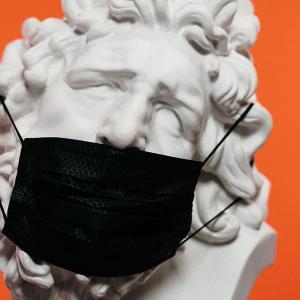 9選|ビジネスマンにおすすめ!おしゃれな男性用マスク一覧