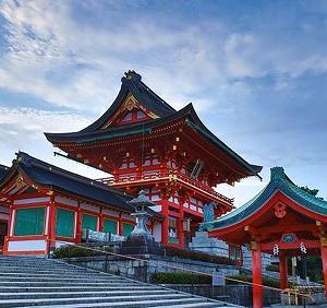 京都のパワースポットで有名な伏見稲荷神社に仕事運を祈願した女性の体験談