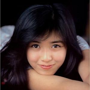 菊池桃子の若い頃の画像や水着姿が超絶かわいい・美人と話題!
