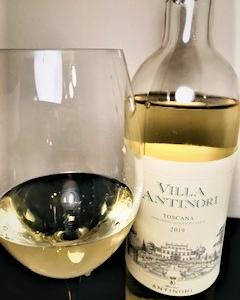 果実が饗宴する上品な白ワイン ヴィラ・アンティノリ・ビアンコ