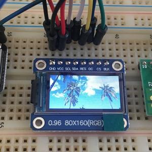 microSDの画像を超小型カラー液晶パネルに表示