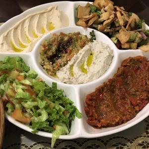 中東料理も身近なチョイス       Maroosh Restaurant