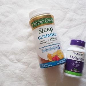 「心地良い睡眠シリーズ」アイハーブで人気の、メラトニンのサプリメントを2種類試してみました。