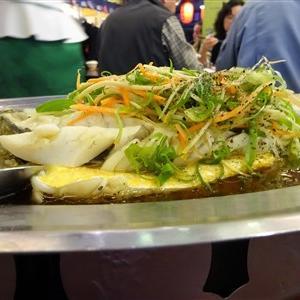 中山國小駅の有名な台湾居酒屋の鮮定味生猛海鮮(錦州街店)で18天ビールと鮮魚