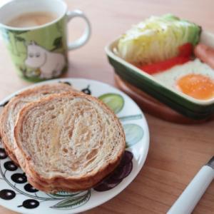 メープル味の朝ごはんと超簡単ホットサラダ