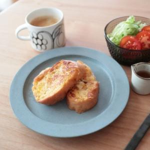 フレンチトーストの朝ごはんとミトンできあがり(片方)