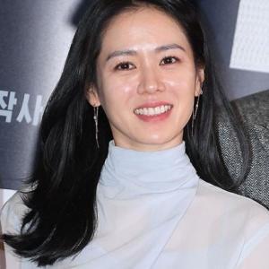 【ソン・イェジン「愛の不時着」日本で人気】< 韓国の風−3260>