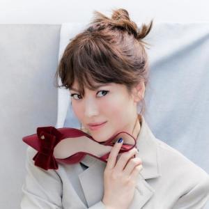 【ソン・ヘギョ「40年目変わりない美貌」】< 韓国の風−3261>