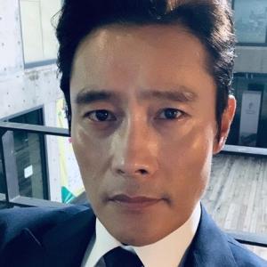 【イ・ビョンホン主演災難映画「非常宣言」撮影中断】< 韓国の風−3264>