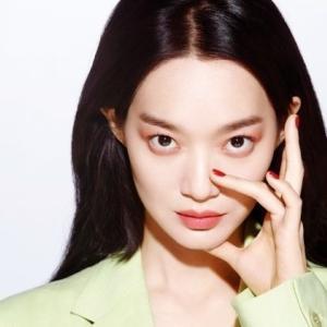 【シン・ミナ「オールバックもヘア完璧」】< 韓国の風−3269>