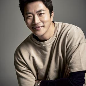 【クォン・サンウ「13年前の恋愛時の服を着て」】< 韓国の風−3304>