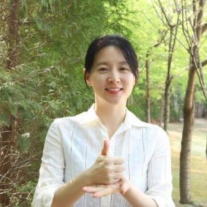 【イ・ヨンエ「シックな魅力が引き立って見える画報」】< 韓国の風−3356 >