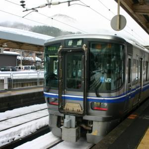 福井県 今庄駅で撮影 2011年 Japanese train 521系 北陸本線