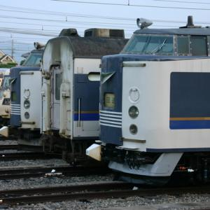 583系 EF65等 早朝の京都総合運転所 2012/7/22