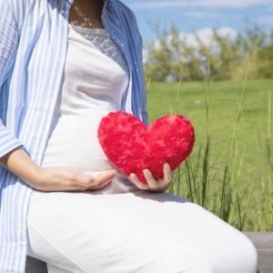 妊娠中、産後、授乳中の深刻な抜け毛に厚生労働省認可!無添加『マイナチュレ』安心して使用しましょ。ずっときれいなママでいたい!!