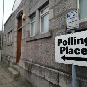 イギリス議会総選挙はなぜ木曜日に行われるのか