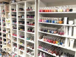ネイルカラー1000色を選びやすいよう分類