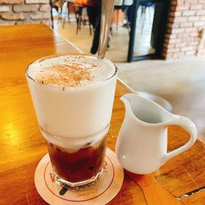 """観光中の休憩からノマドワークまでマルチに利用可能なカフェ""""The WORKSHOP"""""""