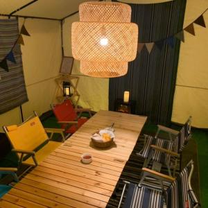 【コールマン】ナチュラルウッドロールテーブル クラシックはキャンプ初心者におすすめ!!