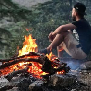 キャンプが快適!焚き火用のテーブルおすすめ8選!