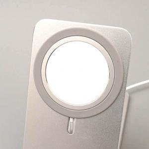 MagSafe対応スタンド:縦横はもちろん折りたたみもできる優れもの発見!