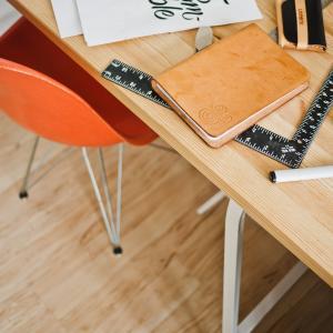資格取得のための大人の勉強部屋づくりについて、おすすめアイテムを3つ紹介します!
