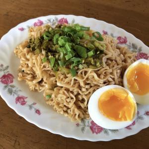 はまっている電鍋半熟卵と維力炸醬麵で台湾ランチ