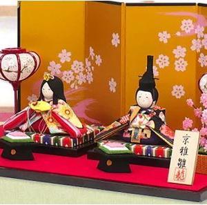 ひな祭りの菱餅はなぜ三色なの?ひし形の形の由来や飾る色の順番に意味はあるの?