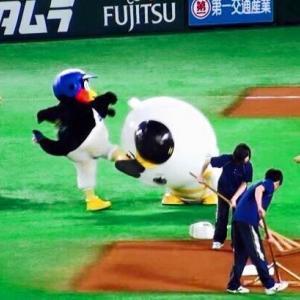 """【畜ペン】クズすぎる球団マスコット""""つば九郎""""の面白ネタまとめ!"""