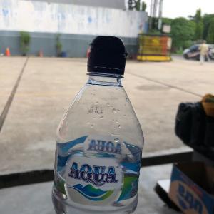 飲料水 AQUA