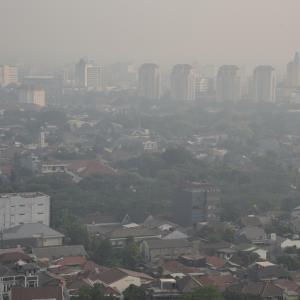 コロナ 感染拡大 インドネシア
