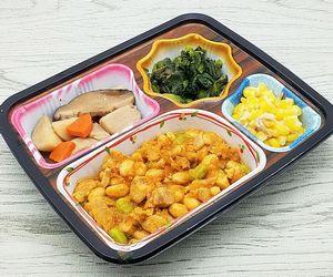 ベルーナ宅菜便・ほほえみ御膳「鶏と大豆のトマト煮セット」は野菜&野菜でした