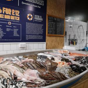 【イギリス】町の魚屋さん @Bishops Stortford
