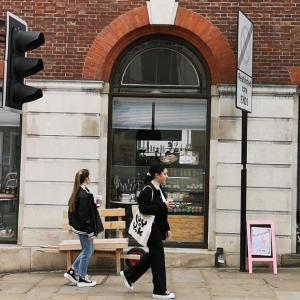 久しぶりにカフェへ~イギリス・ロックダウン緩和第一段階~