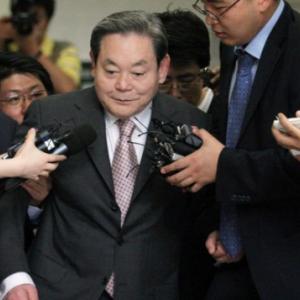 2020.10.26 ・韓国サムスン電子の李健煕会長が死去、最大財閥で存在感 ・経済指標カレンダー