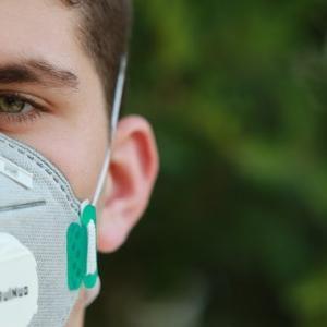 夏場のマスク「暑い・息苦しい・気持ち悪い」対処法!倒れる前にマスクールビズ