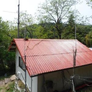 無線小屋の屋根塗装