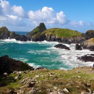 イギリス、コーンウォールの観光スポット2 リザード半島のカイナンス・コーブと英国のモン・サン=ミシェルこと、セント・マイケルズ・マウント