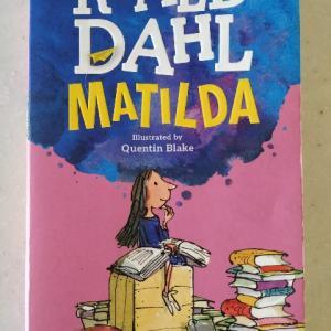 大人も十分に楽しめる児童小説!映画版はお勧めしづらい・・・―『MATILDA』著:ROALD DAHL