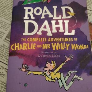 この著者にしては並の出来か!?英語学習には使えるかも―『THE COMPLETE ADVENTURES OF CHARLIE AND MR WILLY WONKA』著:ROALD DAHL