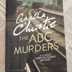 ロンドン近郊を舞台にした連続作人事件。面白い! ― 『ABC MURDERS』著:AGATHA CRISTIE
