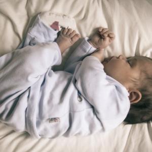 子供の姿勢の悪さが招く問題と良い姿勢にするための育て方