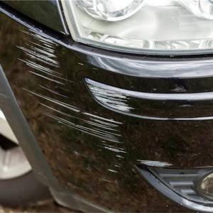 車をこすってしまった時の対処法とは?
