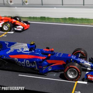 トロロッソSTR12【ミニカーで振り返るレーシングマシン61】カラーリングが一新されたマシン