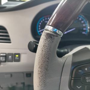 自動車内装修理#321 北米USトヨタ/シエナ本革レザーハンドル/ステアリング 劣化・擦れ補修