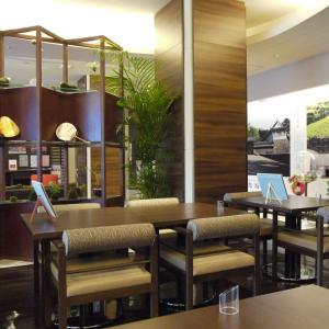 ホテルのカフェ