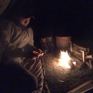 【男のソロキャンプ】簡単自作トライポッドでご飯を炊く!