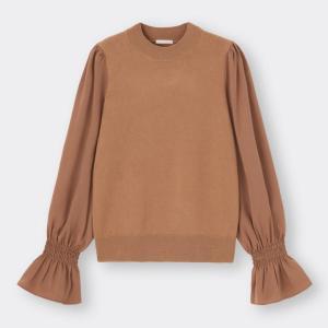GUの新作 「サテンスリーブセーター」の袖フリルがめっちゃ可愛いです。