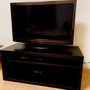 【リビング】ベッドとテレビ台を手放す